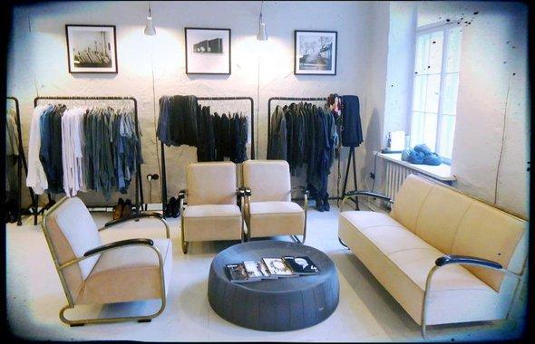 Robert Kupisz showroom