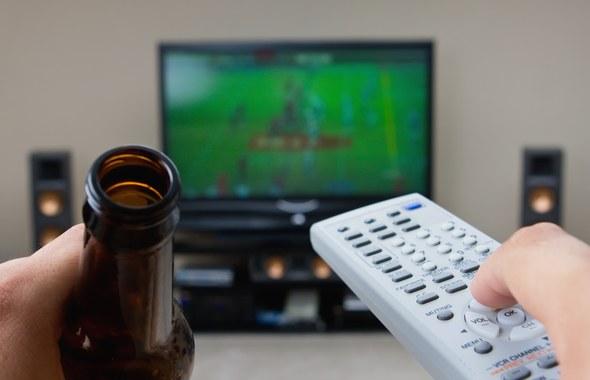 Sezon Euro 2012 właśnie się zaczyna. Męska ekscytacja już niedługo sięgnie zenitu. Pub, kawalerka kumpla czy bar na rogu – wszędzie dobrze, byle był dostęp do szerokokątnego telewizora