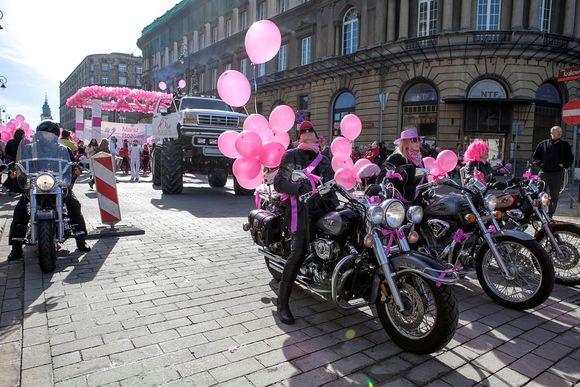 Marsz Różowej Wstążki przeszedł ulicami Warszawy