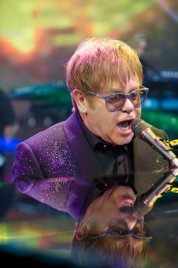 Elton John sławie, już w listopadzie zaśpiewa w Polsce swoje największe przeboje!