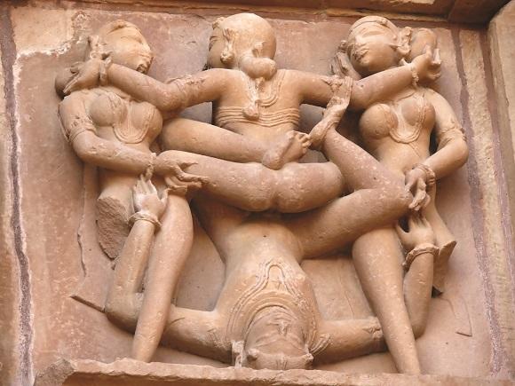 Była praktyką duchową wyrosłą w Indiach i jak każda taka praktyka zakładała istnienie określonej ścieżki prowadzącej do samodoskonalenia i oświecenia.