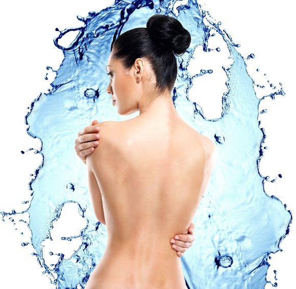 Wybór wielkości implantu zależy od kobiety, ale lekarz zawsze będzie zalecał takie powiększenie piersi, które nie zaburzy naturalnych proporcji ciała pacjentki. / fot. fotolia