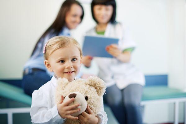 Najczęściej wykonywane u dzieci operacje plastyczne to te likwidujące wady twarzoczaszki. / fot. Fotolia