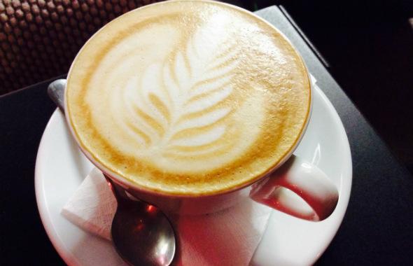 Kawa z kardamonem uwodzi...  | fot. Metaforma Cafe