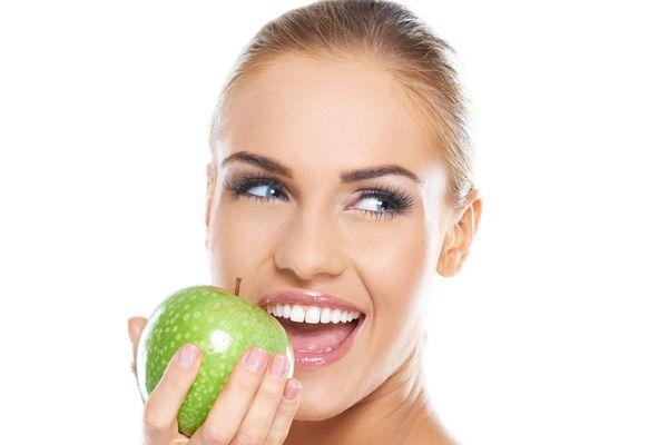 Jeden z alergenów jabłka jest bardzo podobny do jednego z alergenów brzozy / fot. Fotolia