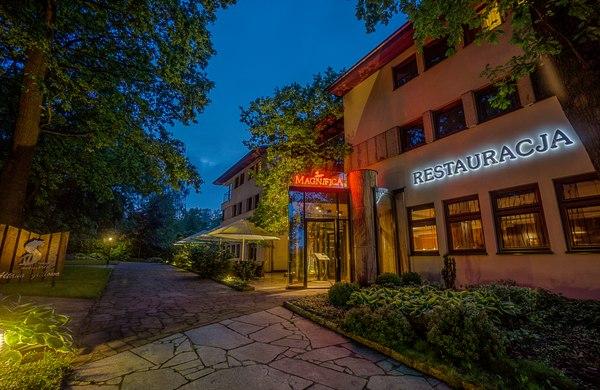 Nagroda za II miejsce: trzydaniowa kolacja dla dwojga z kieliszkiem wina w restauracji Magnifica