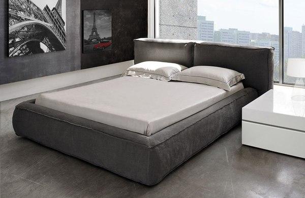 Model Cushions / fot. materiały prasowe