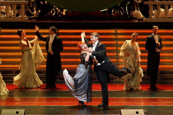 Katarzyna Oleś-Blacha i Andrzej Lampert oraz Balet Opery Krakowskiej / fot. Victor Korpusenko