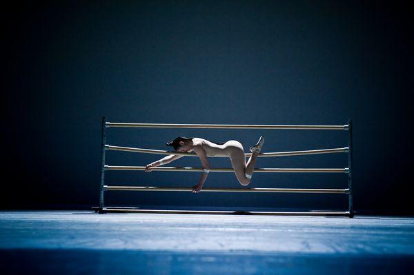 COMPAGNIE MARIE CHOUINARD «bODY_rEMIX/gOLDBERG_vARIATIONS ©Sylvie-Ann Paré /Dancer: Carol Prieur