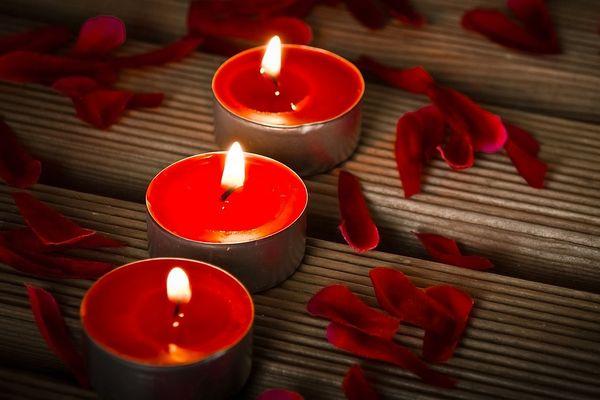 świeczki, walentynki, romantyczność, erotyka