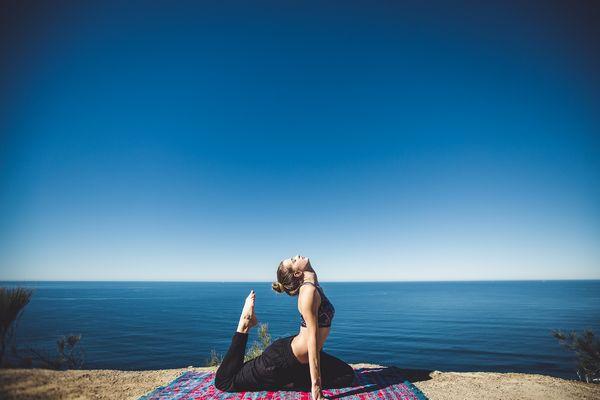 Praktykowanie jogi daje wiele satysfakcji / fot. Pixabay