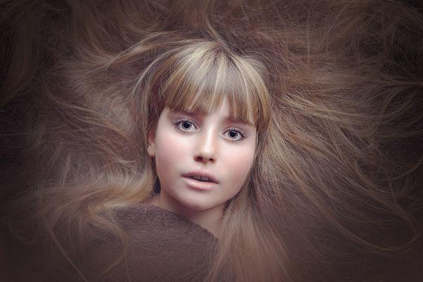 Braki składników odżywczych wpływają na szary koloryt oraz matowość skóry, włosów i paznokci / fot. materiały prasowe