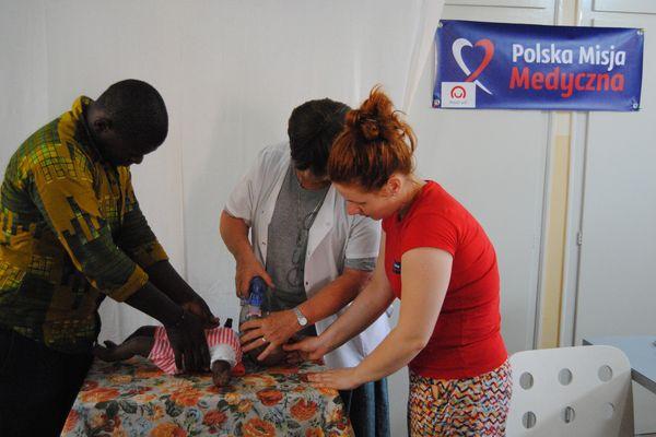 Basia Wójcik szkoli personel medyczny w Senegalu /fot. archiwum PMM