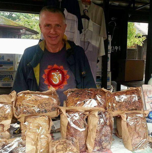Krzysztof, chlebowy kurier / fot. Gosia Karwowska