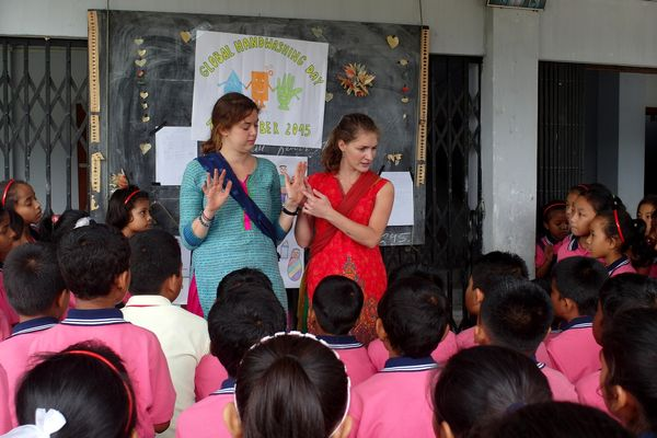 Marysia Strzemieczna uczy w Indiach zasad higieny /fot. archiwum PMM