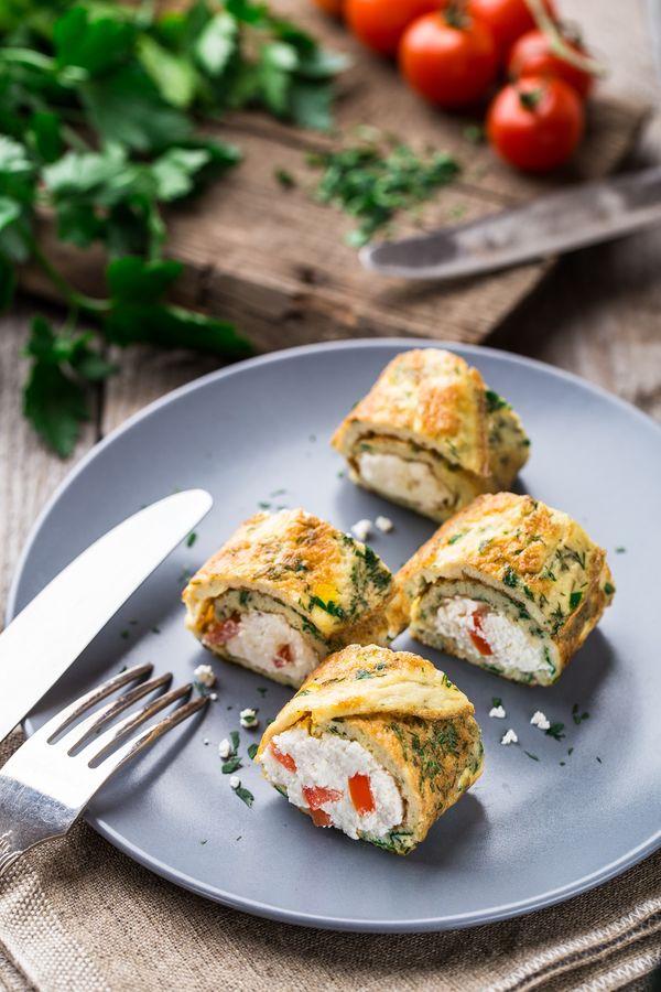 Zakręcony omlet z twarożkiem / fot. materiały prasowe