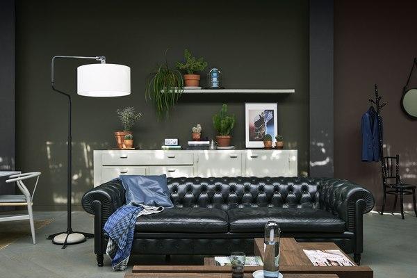 Salon w stylu noir / fot. materiały prasowe
