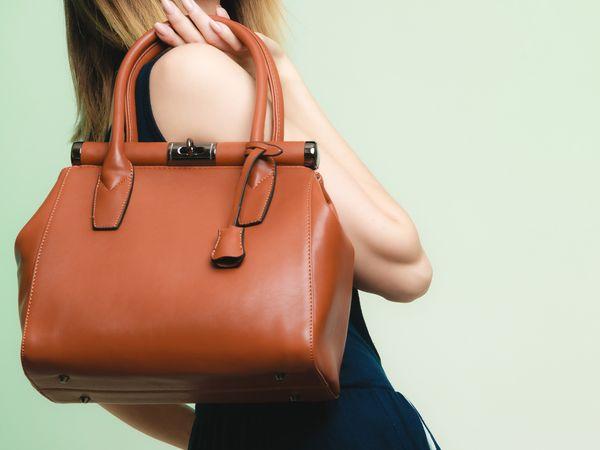 Poznaj najprostsze sposoby dbania o torebkę! / fot. materiały prasowe