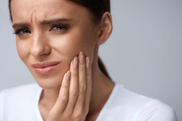 Wszystko, co należy wiedzieć o bolesnych aftach / fot. Shutterstock