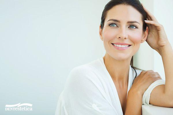 Ubytki w uśmiechu w znaczący sposób wpływają na komfort życia naszych pacjentek / fot. materiały prasowe