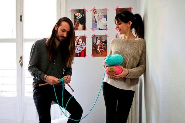 WE ARE KNITTERS to marka założona przez parę przyjaciół z Hiszpanii – Maríę José Marín i Alberto Bravo / fot. materiały prasowe