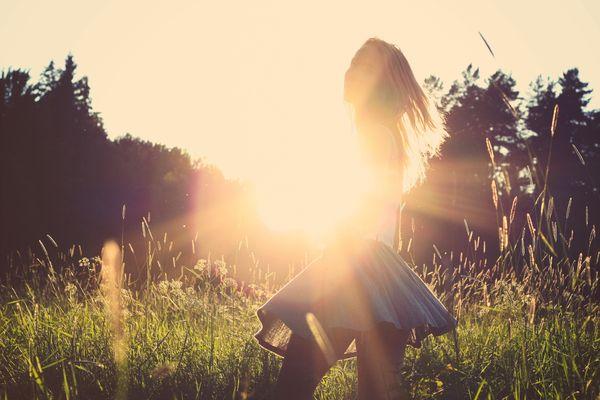 Nadchodzi lato! / fot. Unsplash / Julia Caesar