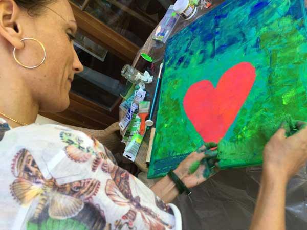 Transcendental Art to malowanie Sercem (fot. Issa Tifaret)