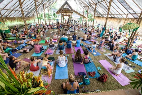 Koncert gongów na Bali Spirit Festival (fot. Denitsa Kibarska / Bali Spirit Festival)