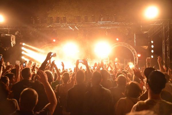 Daj się ponieść klimatowi letnich festiwali/ fot. Fotolia