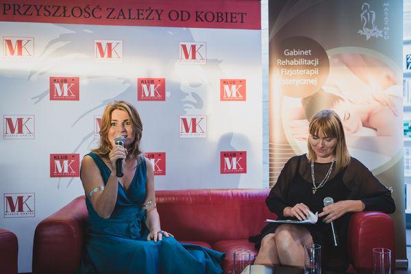 Issa Tifaret zachęcała kobiety do wzięcia pędzli we własne ręce! / fot. Barbara Bogacka