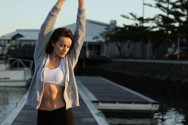 Ćwicząca kobieta/ fot. Christopher Campbell