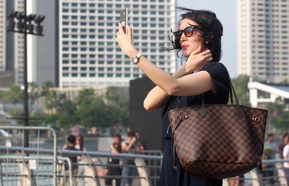 jurczyk-osa-selfie r