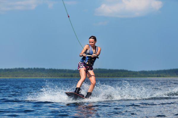 Ekscytujący wakeboarding/ Fotolia
