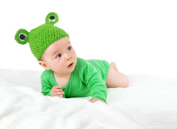 Znalezione obrazy dla zapytania dziecko z żabką
