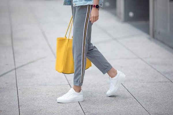 kolorowe torebki, trendy 2018