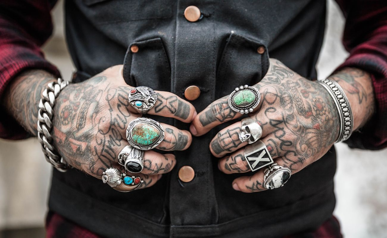 Tatuaże Łukasza Orbitowskiego nic nie znaczą