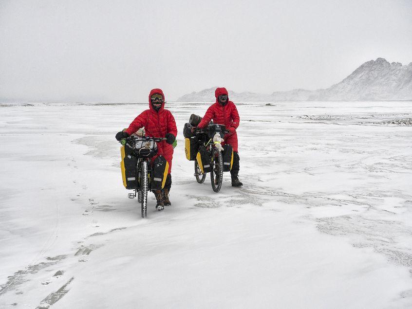 Ula Ziober i Iśka Marchwica na lodzie podczas Bike Jamboree