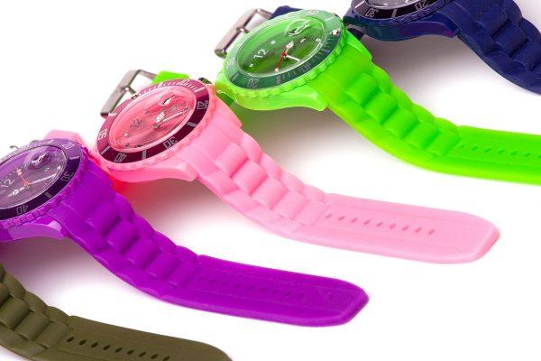 Zegarki Ice-Watch to jedne z najnowszych zegarków na rynku, które w ciągu zaledwie kilku lat osiągnęły szczyt popularności