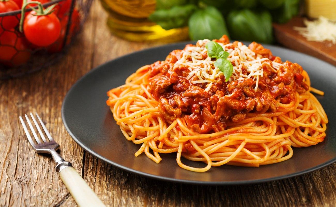 spaghetti bolońskie, makaros, sos, bolonese, kuchnia