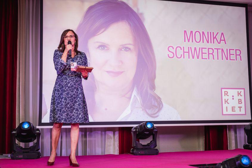 """Monika Schwertner w Mowie Mocy """"Przywódczyni sen na jawie – jak obudzić i budować swoją pozycję liderki w oparciu o mindfulness"""" na Festiwalu Rok Kobiet 2018"""