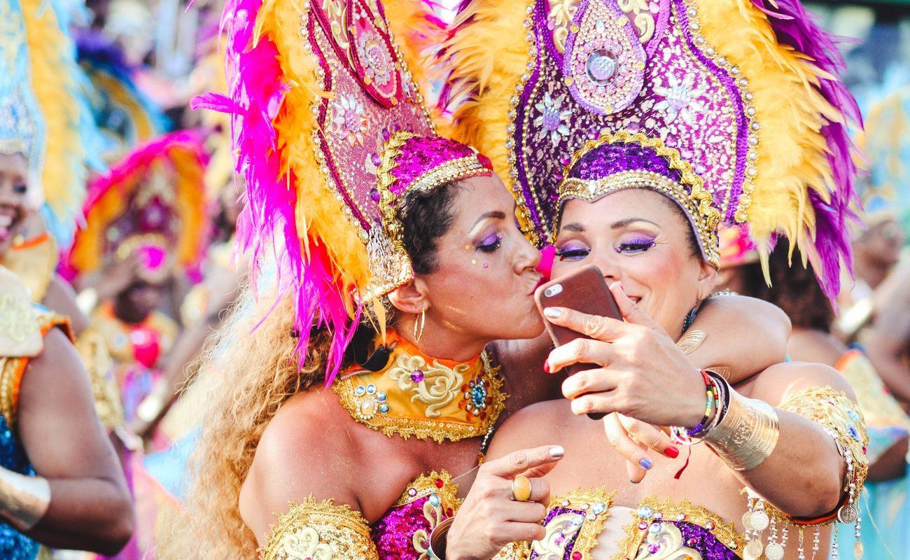 Stwórz karnawałowy make up z bell carnival