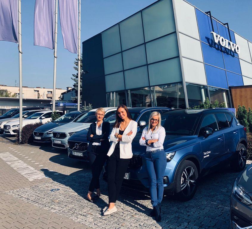 Róża Horwat, Renata Koziołek i Sara Chrzanowska z Volvo Wadowscy
