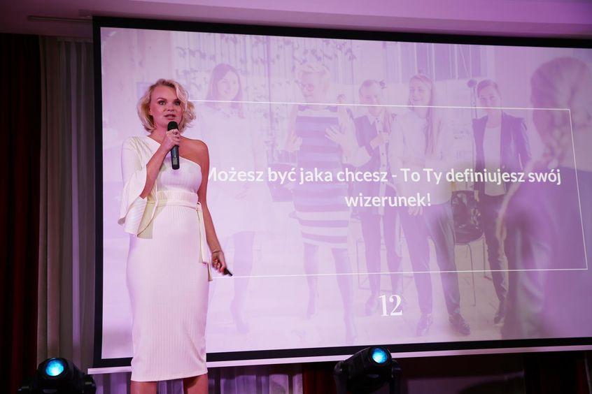 """Monika Jurczyk w Mowie Mocy """"Wizerunek kobiety sukcesu to bzdura"""" podczas Festiwalu Rok Kobiet 2018"""