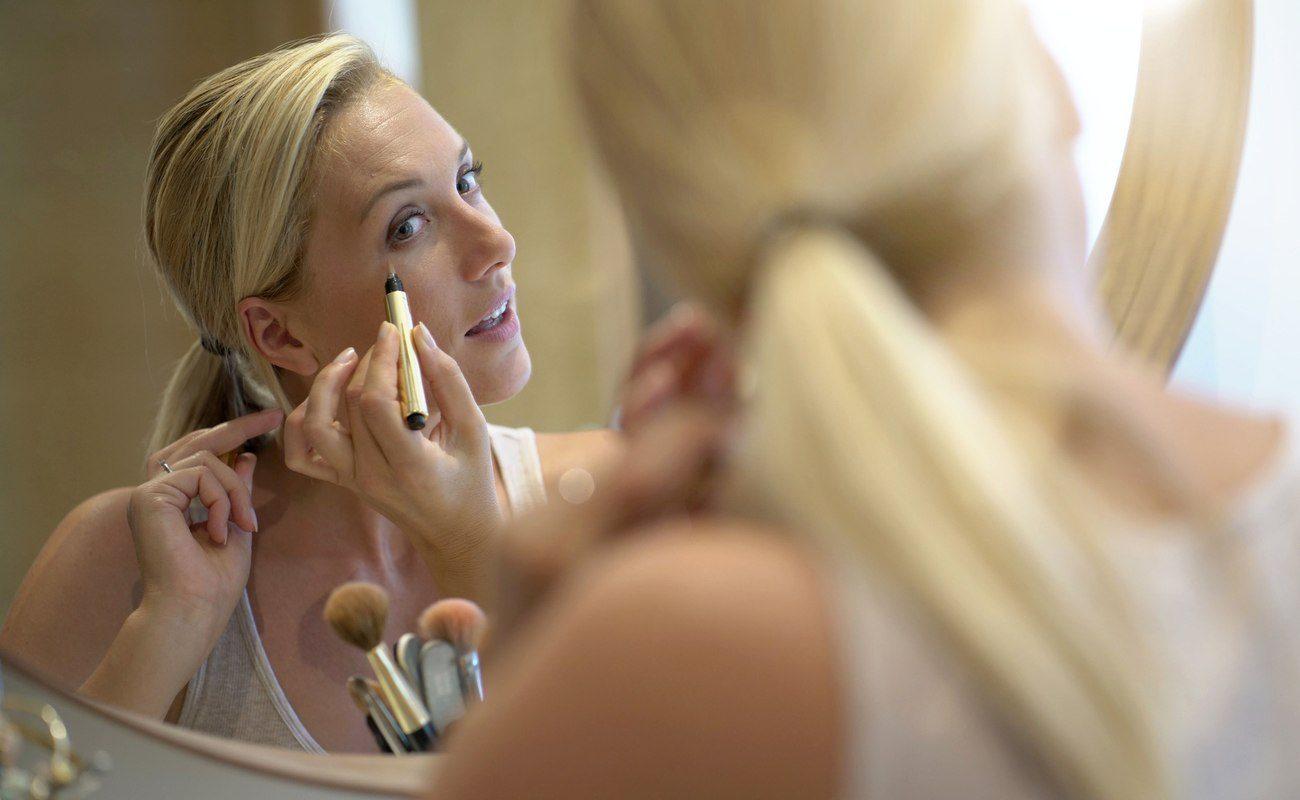 Szybki makijaż dla zapracowanych mam – bądź piękna niezależnie od okoliczności