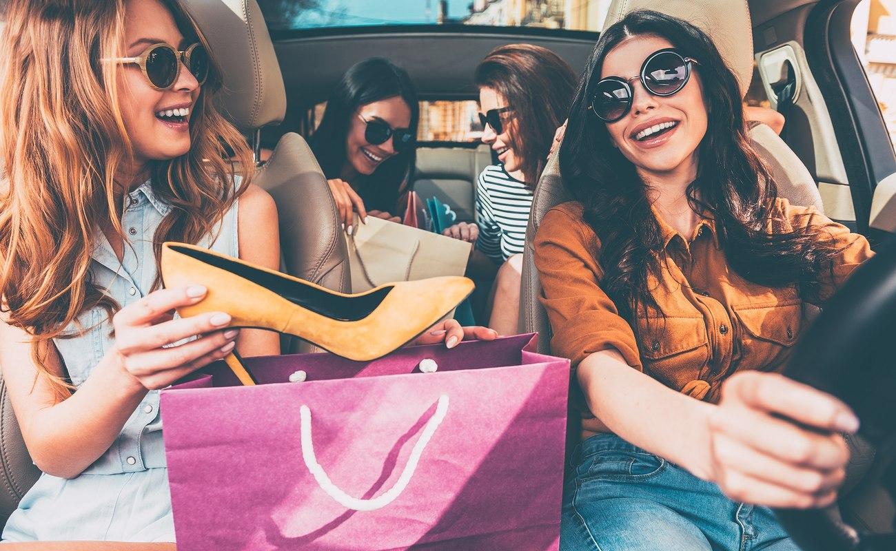 Podróż samochodem na targi czy pokaz mody – jak zapewnić sobie bezpieczną jazdę?