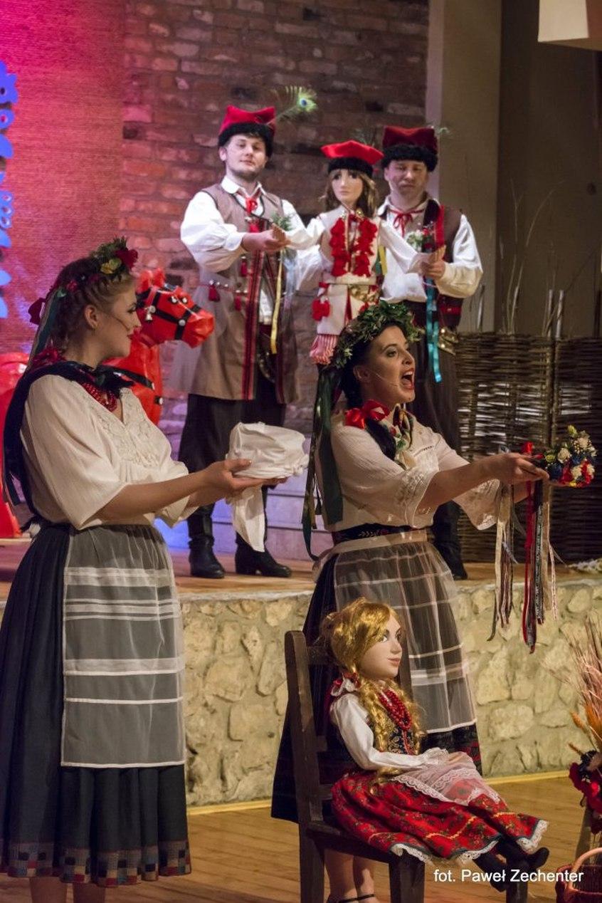 Karnawał w folkowym stylu w Krakowskiej Operze Kameralnej