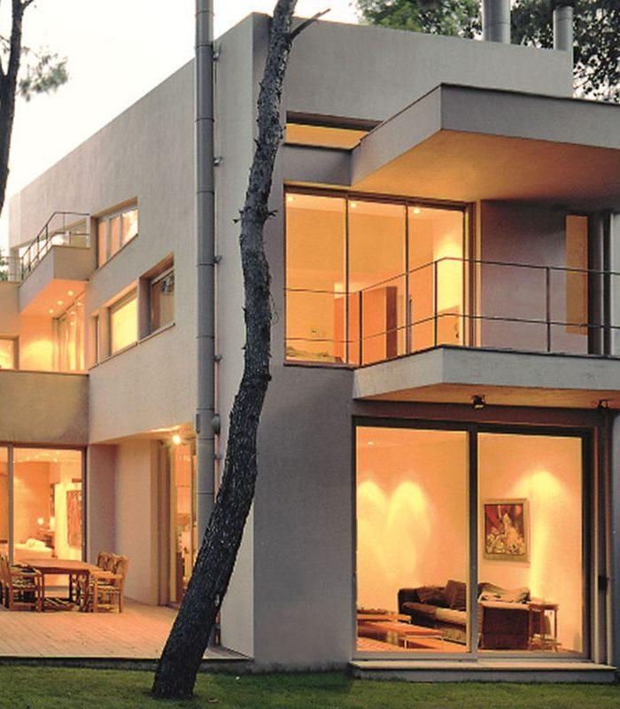 Nie można zbudować klasycznego bądź nowoczesnego domu bez montażu odpowiedniej klasy okien