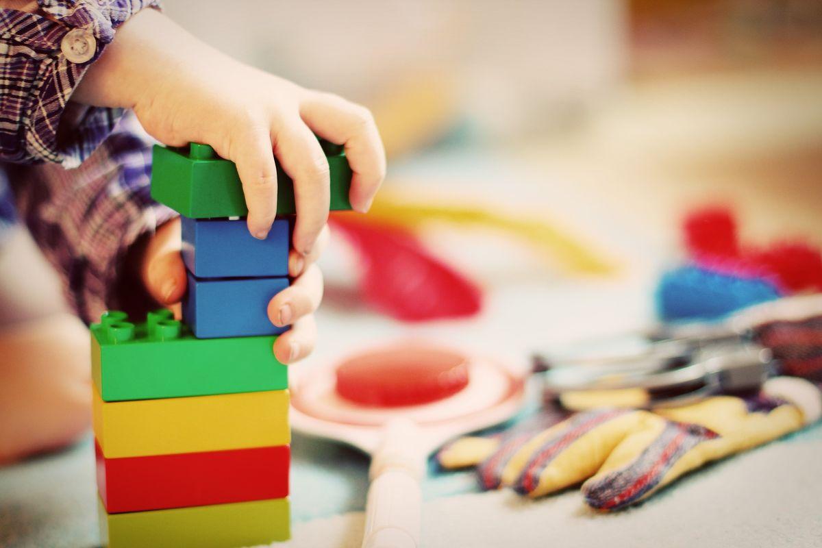 Kupowanie zabawek dla dziecka nie powinno odbywać się pochopnie.