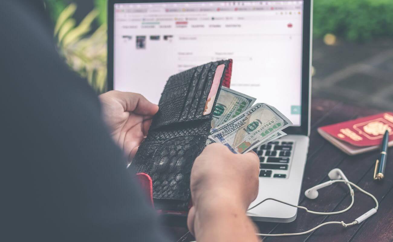 Męski portfel – jak wybrać ten najlepszy?