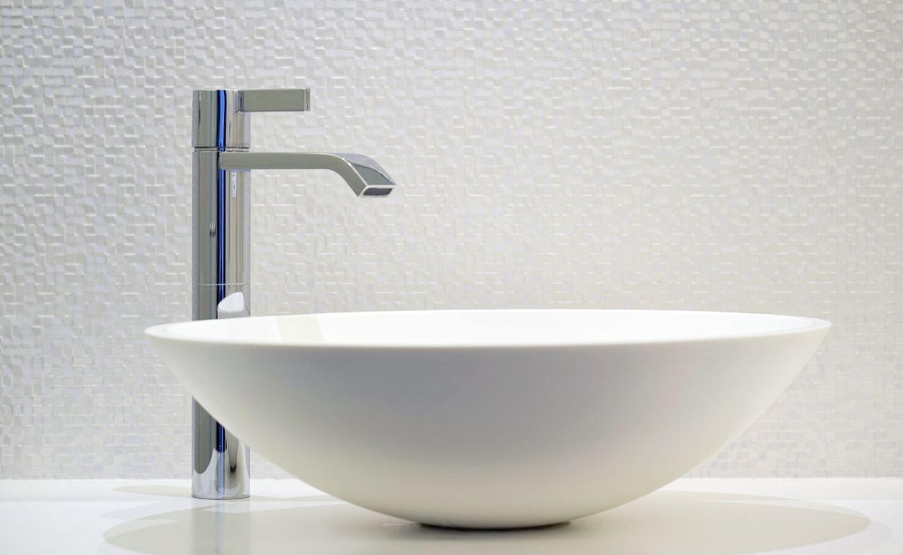 Jak wybrać najlepszą baterię umywalkową? Na co zwrócić uwagę? Jakie są możliwości? Sprawdźmy!